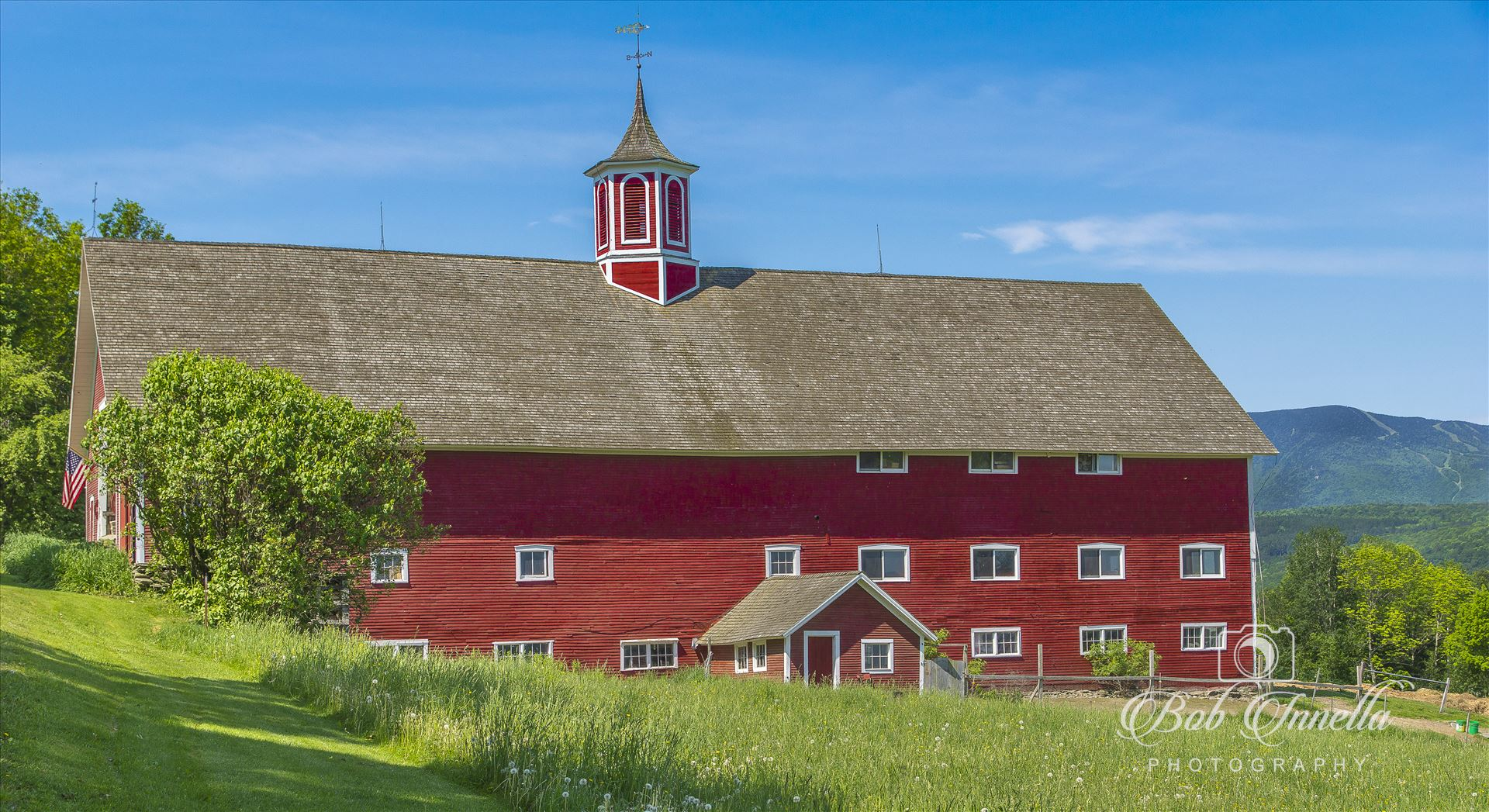 Mountain Valley Farm - Waitsfield, Vermont by Buckmaster