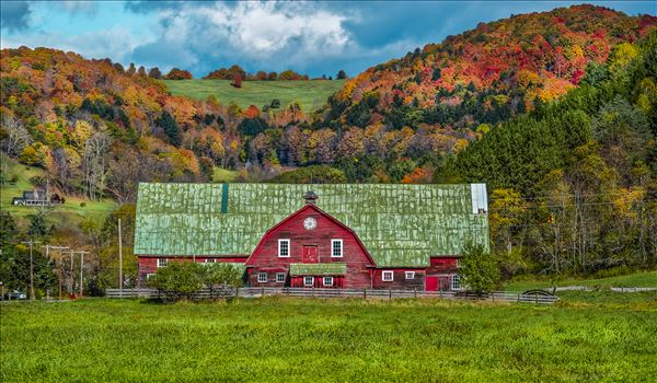 Vermont Barn with Fall Foliage